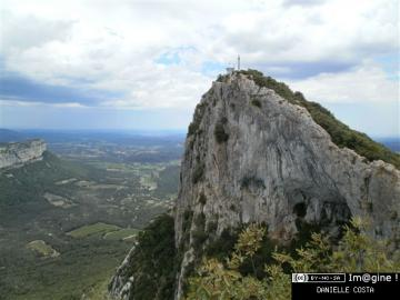 Face nord du Pic St Loup.